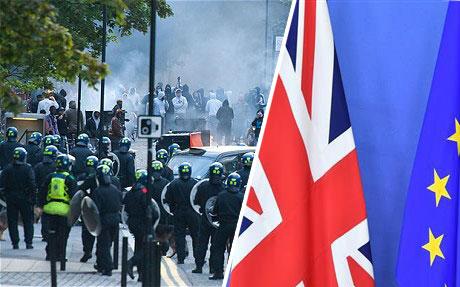 ब्रेक्झिटमुळे ब्रिटनच्या रस्त्यांवर दंगली उसळतील – युरोपिय महासंघाच्या गुप्तचर अधिकार्यांचा इशारा