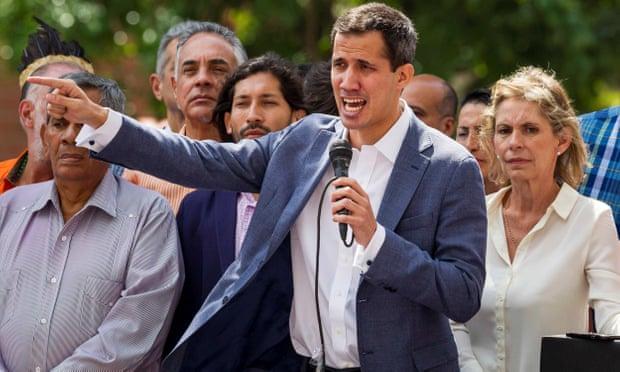 अमरिका के समर्थन से व्हेनेजुएला का विपक्ष 'जनतंत्र के लिए बगावत' करने की तैयारी में