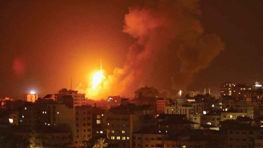 खवळलेल्या इस्रायलचे हमासला घणाघाती प्रत्युत्तर, हमासची १५० ठिकाणे नष्ट केली