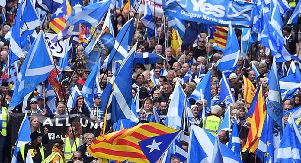 Thousands march for Scotland freedom, use 'Stop Brexit' to demand second independence referendum