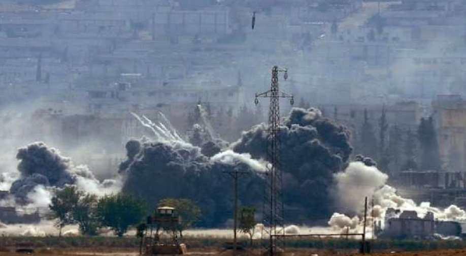 सिरिया-इराक सीमेवरील इराणच्या शस्त्रसाठ्यांवर जोरदार हवाई हल्ले – इराणसंलग्न सशस्त्र गटाचे जवान ठार