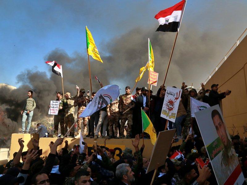 इराक में अमरिकी दूतावास पर किए हमलें की ईरान को बडी किमत चुकानी होगी – अमरिकी राष्ट्राध्यक्ष डोनाल्ड ट्रम्प