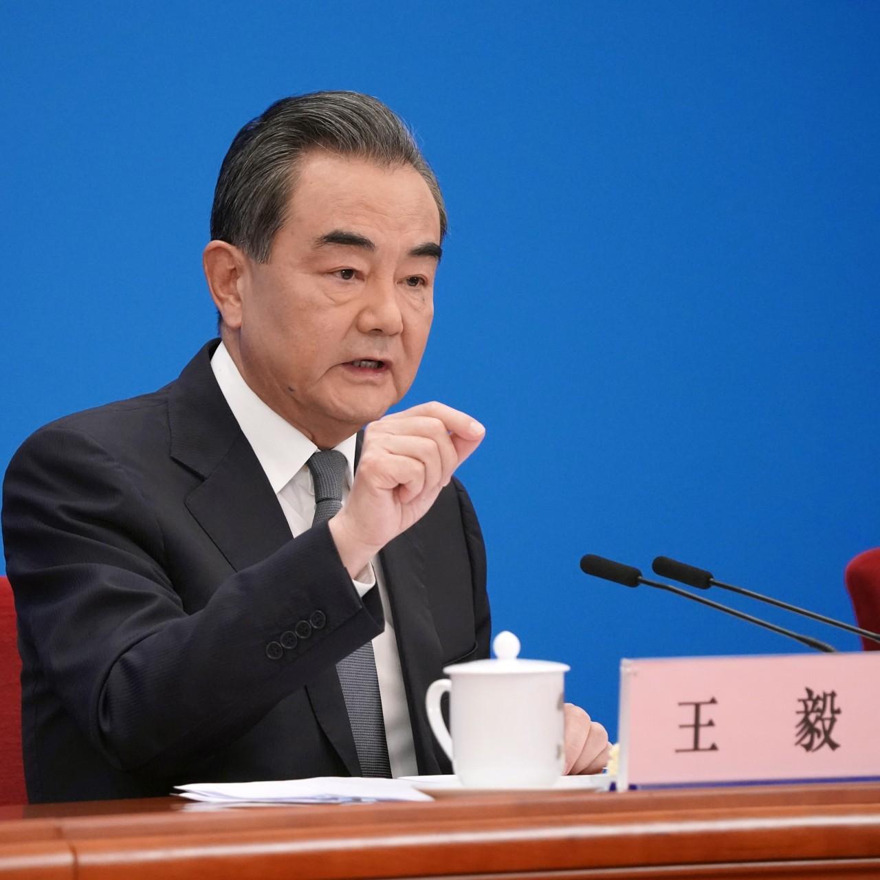 अमरीका और चीन नये 'कोल्ड़ वॉर' की दहलीज़ पर – चीन के विदेशमंत्री की चेतावनी
