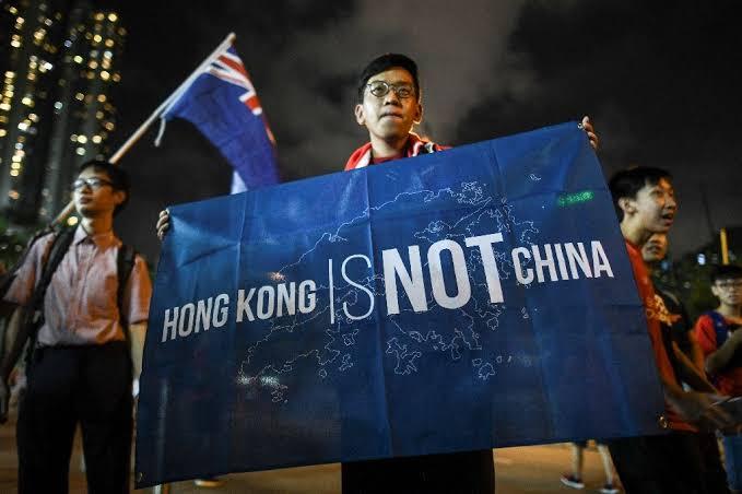 हॉंगकॉंगच्या मुद्द्यावर चीनने माघार घ्यावी – ब्रिटनच्या परराष्ट्रमंत्र्यांचा चीनला इशारा