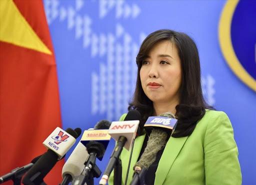 Vietnam warns China, says bombers at Paracel Islands violate its sovereignty