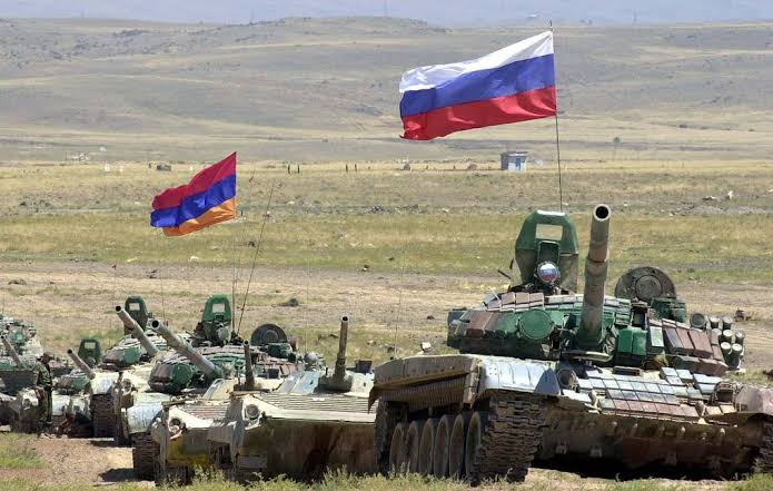 Russia guarantees security to Armenia & may intervene in the war, Armenian Prime Minister claims