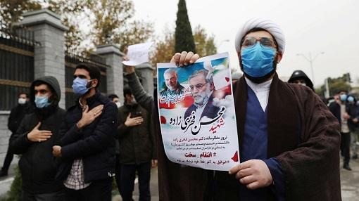ईरान के चरमपंथियों ने की इस्रायल पर हमलें करने की माँग