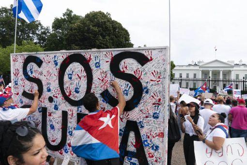 protests, आक्रमणाचे संकेत, लष्करी हमले