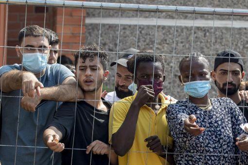 बेलारूस शरणार्थियों को 'लिविंग वेपन' की तरह इस्तेमाल कर रहा है – पोलैण्ड का आरोप